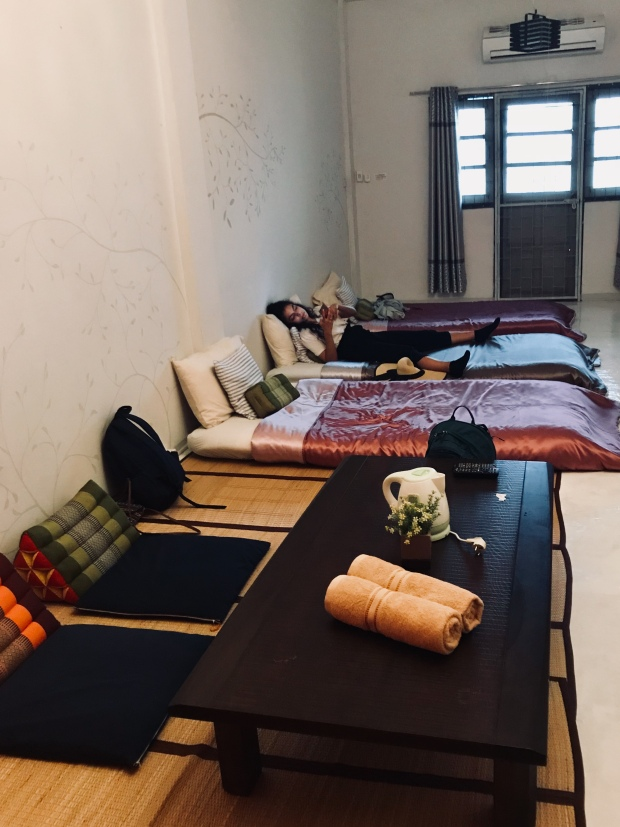 https://www.booking.com/hotel/th/thaichaba-hostel.en-gb.html?label=gen173nr-1BCAso3QFCEHRoYWljaGFiYS1ob3N0ZWxIM1gEaN0BiAEDmAEuuAEHyAEN2AEB6AEBkgIBeagCAw;sid=2944ebcf307995078ffb8812e06537cd;dist=0&sb_price_type=total&type=total&